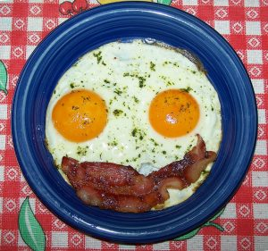 smiling-bacon-eggs